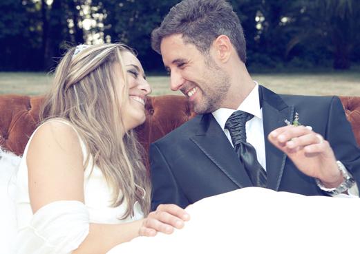 Fotografía de bodas en Vigo, novios mirándose